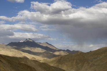 Desert Mountains near Fotu La.