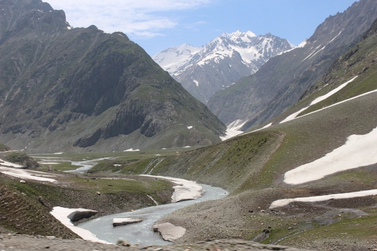 Srinagar to Leh road.