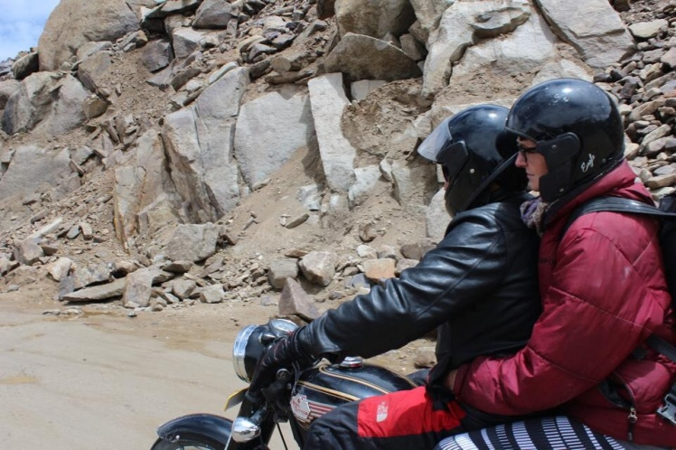 Chef driving, Cat riding on the back, speeding up to Khardung La