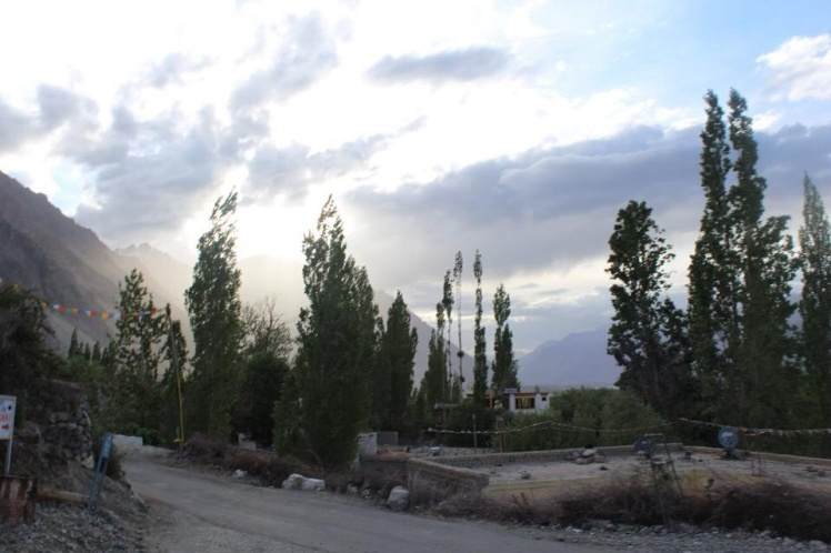Road from Diskit to Hundar